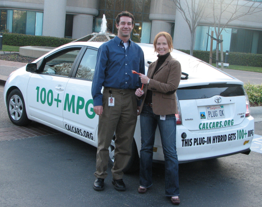 Kirsten Olsen and David Bercovich in front of the Google.org office in January 2007.
